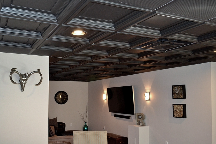 Basement In Black Ceilume